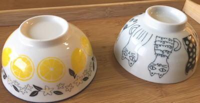 ダイソーのレモン柄茶碗と猫茶碗