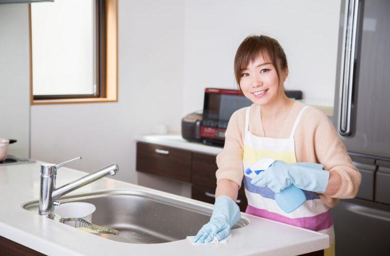 家事代行業者の女性