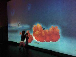 ららぽーと富士見 チームラボ 象形文字の壁 エフェクト