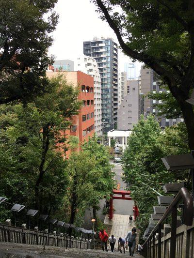 愛宕神社の出世の階段上から見た景色