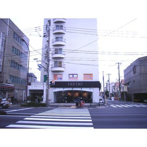 ハローストレージ世田谷野沢店