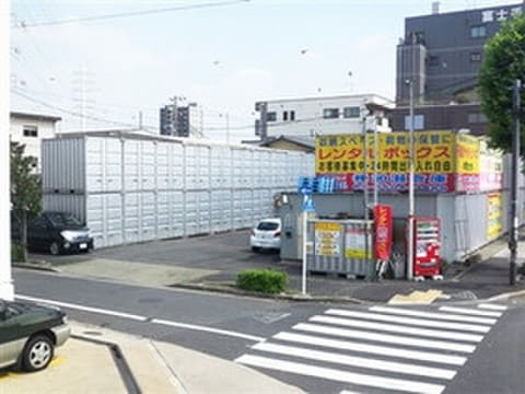 加瀬のレンタルボックス足立江北店